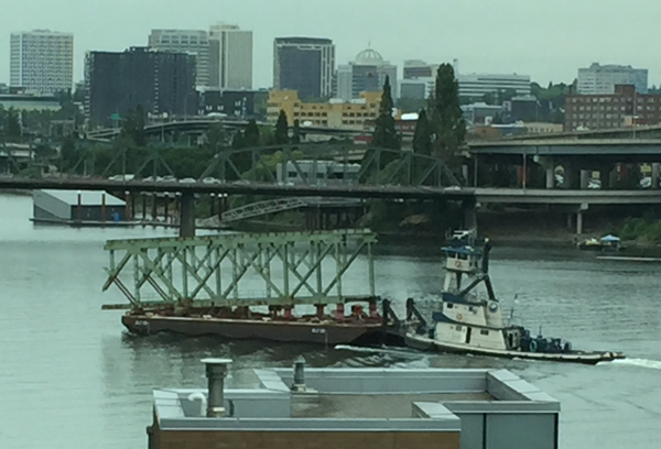 Sellwood-truss-span-being-shipped-to-recycler